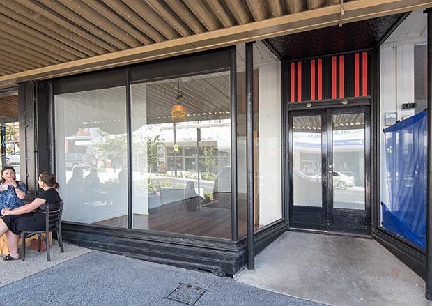 gympie lease bay window